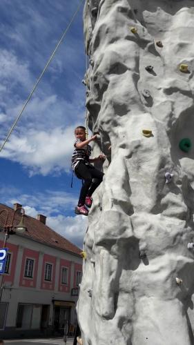 OeTK-Neunkirchen-Kletterturm-mini9kirchen 20190510-010