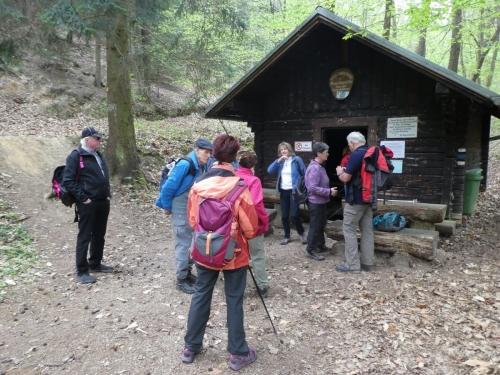 OeTK-Neunkirchen-Senioren-Wanderung-Marienquelle-Katzelsdorf 20190410-001