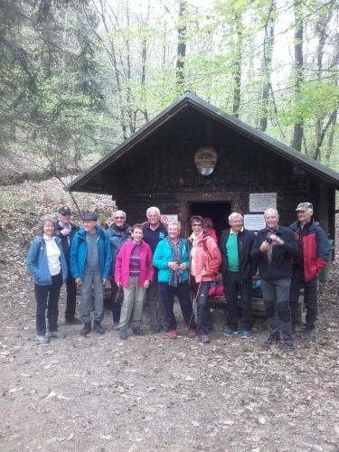 OeTK-Neunkirchen-Senioren-Wanderung-Marienquelle-Katzelsdorf 20190410-002