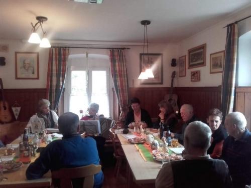 OeTK-Neunkirchen-Senioren-Musikabend-im-Klubheim 20190428-002
